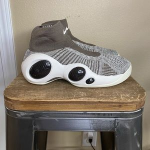 Nike Zoom Flight Bonafide Slip On Sneakers